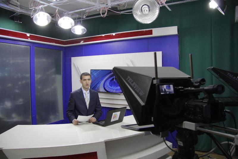 2_Leading the _Nazar_ program in the Kyrgyz language